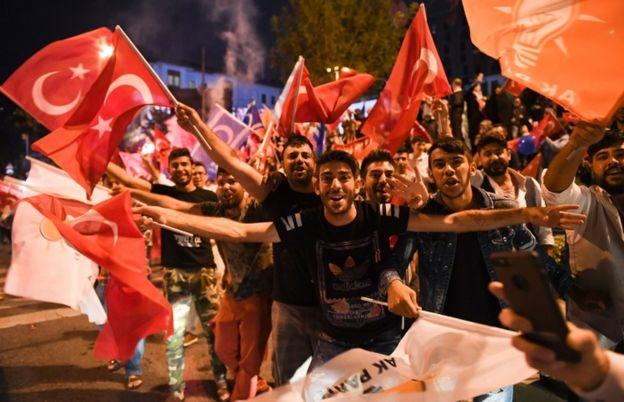 _102186076_erdoganfans